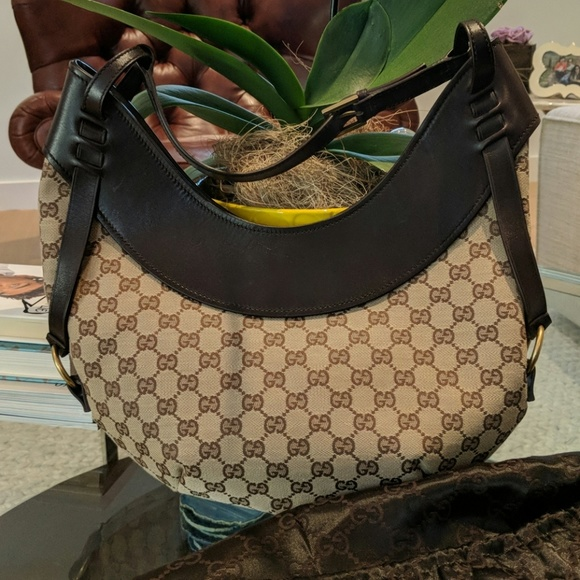 Gucci Handbags - Authentic Gucci Saddle Bag f9c505fc4a971